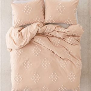 Urban Outfitters Tufted Dot Duvet Cover Fawn Queen